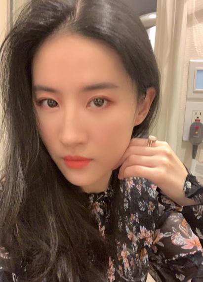 Liu Yifei Bio, Career, Age, Height, Net Worth, Facts, Dating, and Wiki