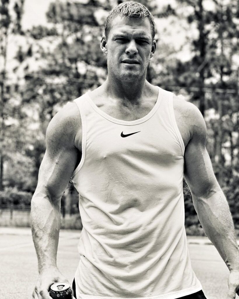 Alan Ritchson Bio, Wiki, Age, Family, Career, Net Worth, and Social Media